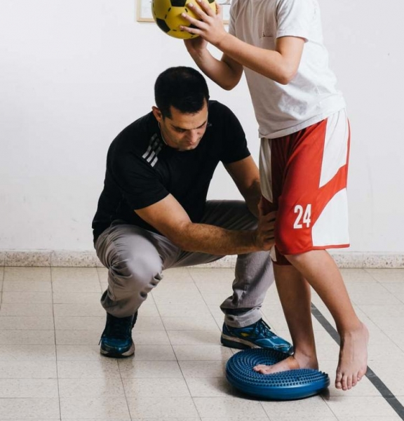Proprioception and strengthening exercises for knee and ankle